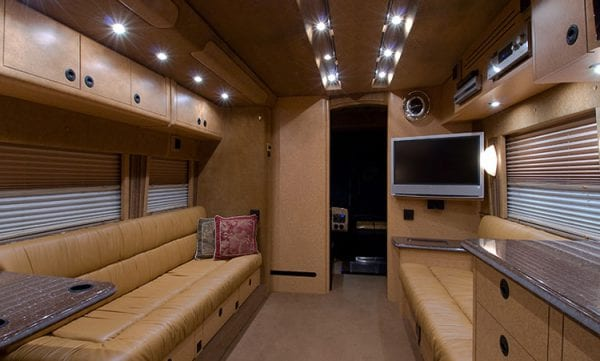 Pacemaker entertainer coach front lounge