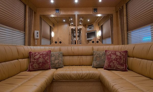 Pacemaker entertainer coach rear lounge