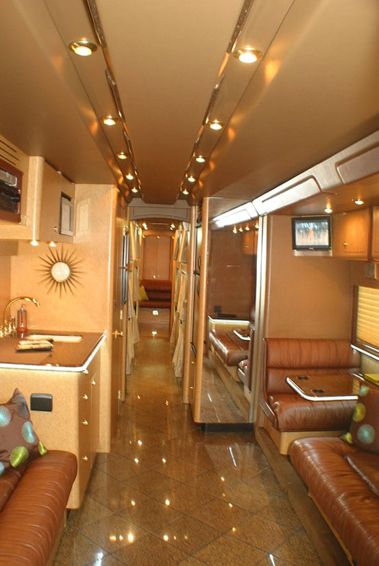 RBK1 entertainer coach front lounge