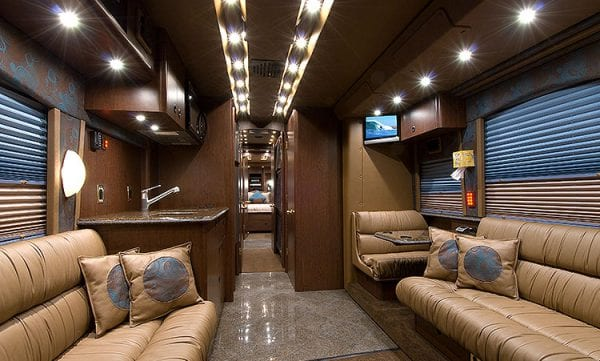 Widness entertainer coach front lounge