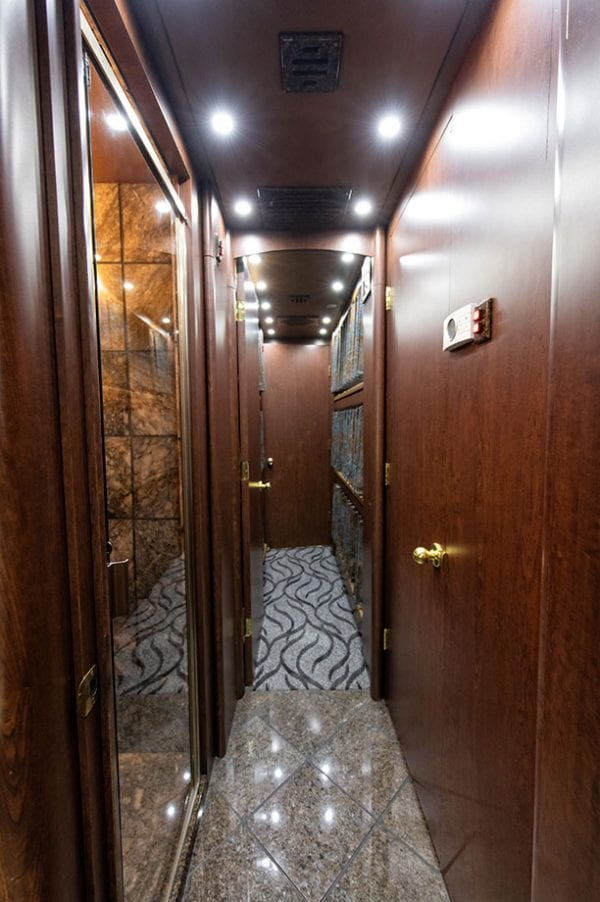 Wizard tour bus rental